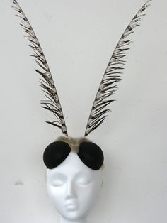 Would make a fantastic bee costume headpiece Fly Costume, Hallowen Costume, Diy Bee Costume, Costume Ideas, Bee Costumes, Fairy Costumes, Holidays Halloween, Halloween Fun, Halloween Decorations