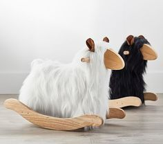 Find modern nursery ideas and inspiration at Pottery Barn Kids. Discover our Glam Natural Nursery for modern baby nursery ideas. Nursery Modern, Nursery Neutral, Modern Nurseries, Pottery Barn Kids, Pottery Barn Teen Backpacks, Nursery Rocker, Farm Nursery, Woodland Nursery, Llama Plush