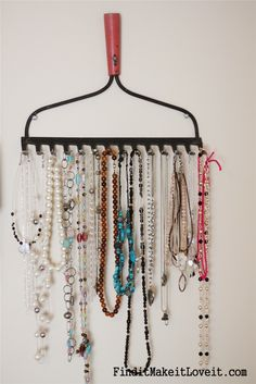 Vintage Jewelry Storage This would be awesome for hanging belts or scarves too!