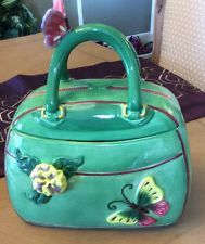 Collectible Handbag Green Cookie Jar Cookie Jars, Cookie Cutters, Ceramic Figures, Salt Pepper Shakers, Cookie Decorating, Aurora, Biscuits, Wallets, Lunch Box