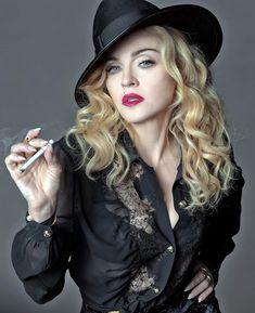 Madonna, Smoking Ladies, Girl Smoking, Women Smoking Cigarettes, Beauty Makeup Tips, Music People, Bad Habits, Hair A, Her Music