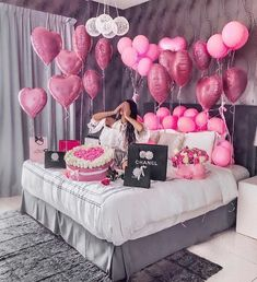 An informal guide to the most beautiful Valentine& Day of all time - Meine Geburtstagsparty - Birthday Goals, 18th Birthday Party, Girl Birthday, Birthday Surprise Ideas, 30th Birthday Ideas For Girls, 18th Birthday Decor, Birthday Photoshoot Ideas, Hotel Birthday Parties, Best Birthday Surprises