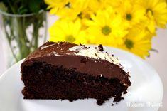Saftig, schokoladig, fein – so muss er sein, der weltbeste Schokoladenkuchen! Ein Muss für jeden Schokoholik und Kuchenliebhaber!
