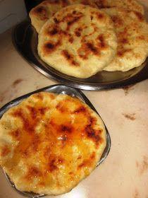 Τυροπιτούλες ψητές στο τηγάνι χωρίς λάδι!!!    Μία συνταγή μοναδική για τυροπιτάκια με λίγες θερμίδες, ελάχιστα και απλά υλικά.          θ...