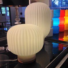 Baja lampa sprider mysigt ljus i ditt hem. Låg 490kr, hög 590kr. #habitatsverige #lampa #lamp