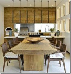 Sala de jantar com mesa rustica
