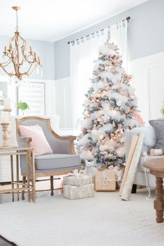Choose fresh colors. Pinks, coppers, and blues may not seem like a typical holiday color scheme, but they look gorgeous with twinkling lights and neutral furniture.