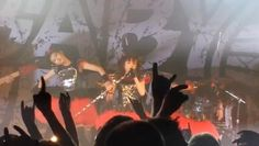 BABYMETAL WORLD TOUR 2014 ドイツ・ケルン Live Music Hall 2014年7月3日(木) 日本時間4日午前3時頃  セットリスト 01:BABYMETAL DEATH 02:いいね! 03:ウ・キ・ウ・キ★ミッドナイト 04:悪夢の輪舞曲 05:おねだり大作戦 06:Catch me if you can 07:紅月-アカツキ- 08:4の歌 09:メギツネ 10:ド・キ・ド・キ☆モーニング 11:ギミチョコ EN1:ヘドバンギャー!!(vo:MOAMETAL) EN2:イジメ、ダメ、ゼッタイ