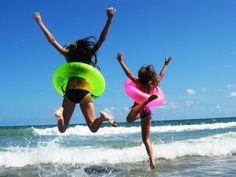 colored innertubes! such a cute idea for the beach