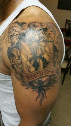 Gepanzerte tattoo schultern aufregen erschienen und for Tattoos baton rouge