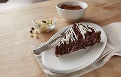 HERSHEY'S White and Dark Chocolate Fudge Torte