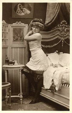 a9606fac732 55 Inspiring Vintage Boudoir images