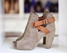 Steve Madden gray suede peep-toe booties with brown leather straps and buckles. Ankle Bootie, Bootie Boots, Shoe Boots, Shoe Bag, Suede Booties, Cute Shoes, Me Too Shoes, Zapatos Shoes, Pumps