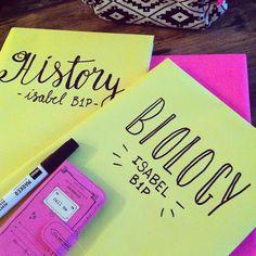 Boeken kaften met m'n nichtje @isabel_123x  #madelonvos #handlettering…