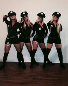35 Cutest, Craziest & Coolest Group Halloween Costumes for your Girl Squad - Hike n Dip Check out best Group Halloween costumes idea that'll make your girl squad shine like never before. Flaunt your friendship with these Group Halloween Outfits Girl Group Halloween Costumes, Costumes For Teens, Woman Costumes, Couple Costumes, Adult Costumes, Army Girl Costumes, Cute Halloween Outfits, Turtle Costumes, Easy Costumes