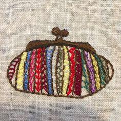 -2016/10/13 수놓고나니 요런 스타일로 클러치 하나 만들어 들고 싶어져요~ . . . . . By Alley's home #embroidery#knitting#crochet#crossstitch#handmade#homedecor#needlework#antique#vintage#pottery#flower##ribbonembroidery#quilt#프랑스자수#진해프랑스자수#창원프랑스자수#리본자수#프랑스자수스티치북#창원프랑스자수수업#진해프랑스자수수업#실크리본자수#자수브로치#자수코사지#진해이동앨리홈#자수소품#손자수#리본자수수업#실크리본자수#자수클러치