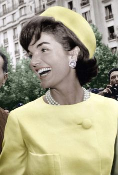 Jackie Kennedy.  1961, wearing Alaskine (wool and silk) created by Oleg Cassini, pillbox hat created by Roy Halston Frowick, Paris. www.pinkpillbox.com