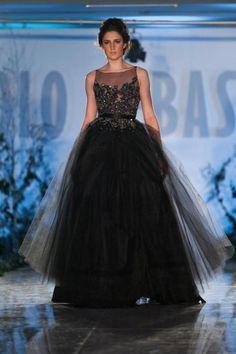 Black wedding dress http://roxyheartvintage.com