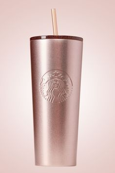 Starbucks Just Launched Its Christmas Line And We Want Everything Rose Gold Col., holiday wallpaper Starbucks Just Launched Its Christmas Line And We Want Everything Rose Gold Col. Copo Starbucks, Starbucks Drinks, Starbucks Recipes, Pink Starbucks Cup, Starbucks Drinkware, Starbucks Water Bottle, Starbucks Tumbler Cup, Baileys Creme, Holiday Drinkware