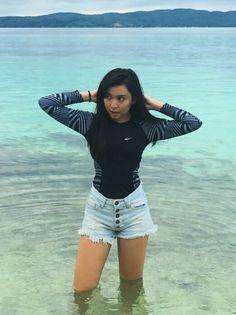 Yassi Pressman, Maine Mendoza, Filipina Beauty, Screen Shot, My Idol, Cute Girls, White Shorts, Ootd, Crop Tops