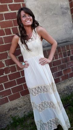 Sweet & Vintage Maxi. A total blank canvas for awesome accessories.