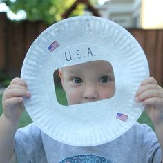 Simple paper plate astronaut helmet craft. This would be fun for a space unit!