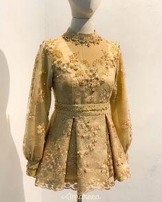 Kebaya Hijab, Kebaya Brokat, Kebaya Dress, Model Kebaya Modern, Kebaya Modern Dress, Dress Brukat, Batik Dress, Simple Bridesmaid Dresses, Batik Fashion