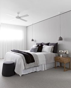Scandinavian design has gained popularity in Australia in recent years, and it's showing no signs of slowing. Here's how to get the Scandi-chic look. Scandi Chic, Scandi Home, Scandi Style, Home Bedroom, Bedroom Wall, Master Bedroom, Bedroom Decor, Low Ceiling Bedroom, Scandi Bedroom