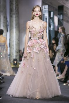 Watch the livestream of the Elie Saab show Haute-Couture collection Fall/Winter 2016 from Paris.