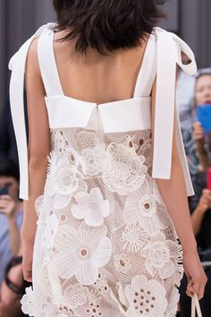 Chloé at Paris Fashion Week Spring 2017 - Details Runway Photos thick straps shoulder neck ties Style Couture, Couture Fashion, Runway Fashion, Womens Fashion, Paris Fashion, Lovely Dresses, Simple Dresses, Short Dresses, Chloe Fashion
