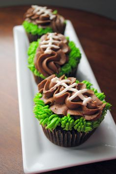 football cupcakes | homemade football cupcakes from this past weekends tailgate}