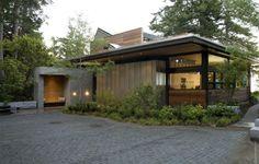 Современный экологичный дом