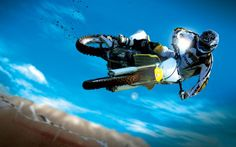 Motocross off-road Bikes This Suzuki and competitive biker catches major air! The extreme sport of Motocross first evolved in the Uni. Suzuki Motocross, Motocross Bikes, Extreme Motocross, Bmx, Bikes Games, Freestyle Motocross, Motorcycle Wallpaper, Sports Wallpapers, Eleanor Roosevelt