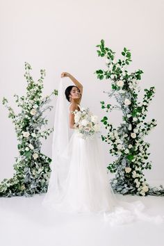Monochromatic wedding ENVY! This modern wedding inspiration is living proof that the dress does not have to be the only white wedding detail - neutral color palettes are king today! From the fashion to the backdrop to the textured invitation suite, this intimate celebration is a serious visual treat. #wedding #flowers #brides #floral #women's #weddinginspiration
