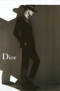 Dior Homme FW 2011 Baptiste Giabiconi by Karl Lagerfeld Fashion Poses, Men's Fashion, Mens Fashion Suits, Suit And Tie, Karl Lagerfeld, Fashion Photography, Darth Vader, Blog, Fictional Characters
