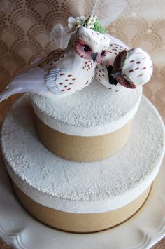 Snow Owl Wedding Cake Topper.  So cute! <3