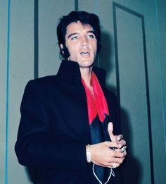 August 1969 - Elvis Presley's Las Vegas Press Conference - Transcript - Elvis Presley Fans of Nashville Elvis Presley Las Vegas, Elvis Presley News, Elvis Presley Priscilla, Elvis Presley Photos, Cant Help Falling In Love, You're Hot, Chuck Berry, Memphis Tennessee, Ali Larter