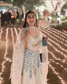 Party Wear Indian Dresses, Designer Party Wear Dresses, Indian Gowns Dresses, Indian Bridal Outfits, Indian Bridal Fashion, Dress Indian Style, Indian Fashion Dresses, Indian Designer Outfits, Indian Wear