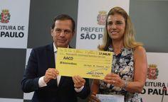 #São Paulo: João Doria faz doação do 1º salário como prefeito a entidade que trata crianças