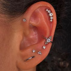 Ear Cuff Piercing, Ear Piercings Chart, Pretty Ear Piercings, Types Of Ear Piercings, Lip Piercing, Body Piercings, Piercing Tattoo, Female Piercings, Nail Jewelry