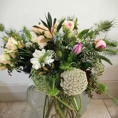 Bulb Flowers (@bulbflowers_ct) • Instagram photos and videos Bulb Flowers, Lace Flowers, Bouquets, Glass Vase, Delicate, Photo And Video, Bridal, Videos, Pretty