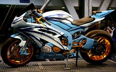 airbrush motorcycles | ... R6 Custom Paint And Wheels Airbrush Design | Car Modification 2011