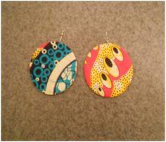 Boucles d'oreilles ovales pleines pagne wax rose jaune bleu beige : Boucles d'oreille par ayodele