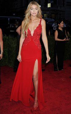 Photos : Met Gala 2015 : Cara Delevingne, Kendall Jenner, Karlie Kloss, Gigi Hadid… Les Copines Au Top !