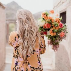 Your feed just got a serious dose of pretty. Spring Photography, Cute Photography, Portrait Photography, Chelsea Wedding, Cricut Wedding, Flower Crown, Beautiful Flowers, Fresh Flowers, Her Hair