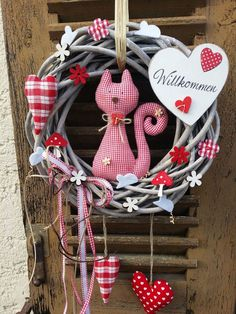 Door wreath cat spring easter tilda fabric country house shabby door decoration deco flower - Home Valentine Wreath, Valentines, Christmas Diy, Christmas Ornaments, Holiday, Diy And Crafts, Arts And Crafts, Diy Y Manualidades, Easter Wreaths