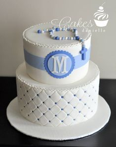 Maybe chevron on the bottom, and the name instead of an initial.and a cross on… Boy Communion Cake, First Holy Communion Cake, Christening Cake Boy, Baby Boy Baptism, Boy Baptism Cakes, Comunion Cakes, Decors Pate A Sucre, Religious Cakes, Confirmation Cakes