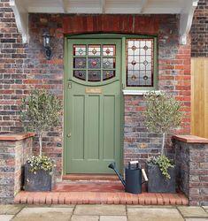 Best Front Door Colors, Best Front Doors, Front Door Paint Colors, Painted Front Doors, Colored Front Doors, Exterior Door Colors, Exterior Front Doors, Cottage Front Doors, House Front Door