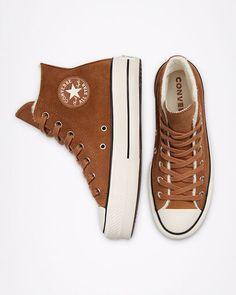 Brown Converse, Black Chucks, Casual Sneakers, Sneakers Fashion, Fashion Shoes, Brown Sneakers, Outfits With Converse, Converse Shoes, Leather Converse