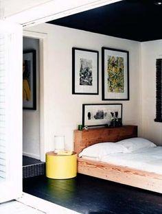 Black ceiling, painted floor, low wood bed(mark tuckey) Photo by Prue Roscoe Home, Home Bedroom, Black Rooms, Bedroom Interior, Flooring, Simple Bedroom, Interior Design, Bedroom, Interior Design Bedroom